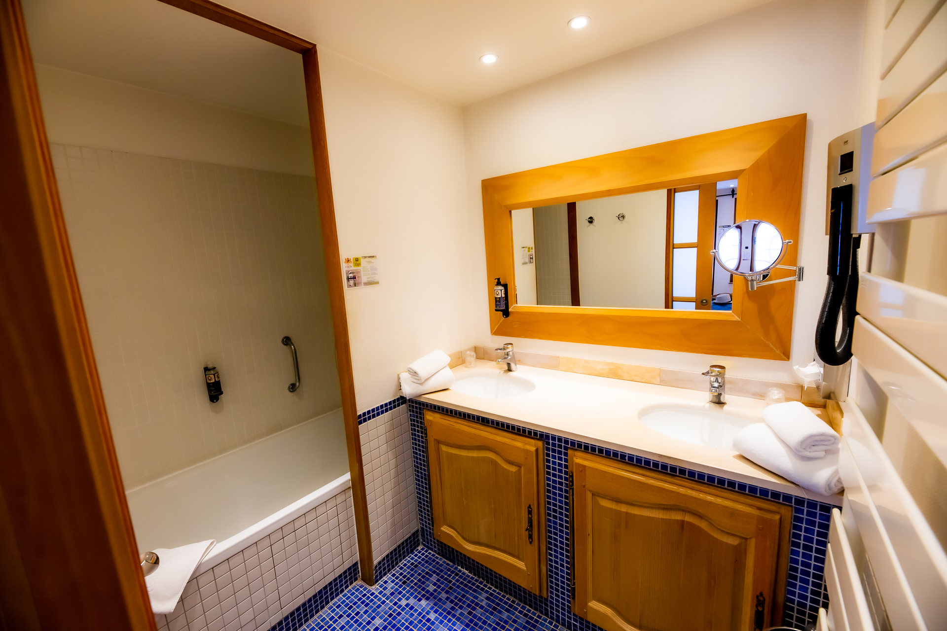 19/Chambres/Traditionnelle/hotel_spa_le_lion_d_or-1793Stephane_Leroy.jpg
